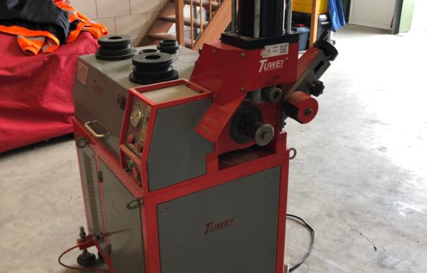 Tuwei TWG-IVA ril (rol groef) machine